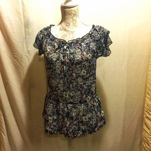 🌺B1G1🌺Navy blue floral ruffled top